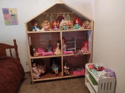 Rita doll house